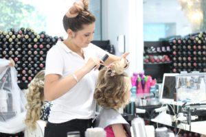 Invata de la profesionisti: cel mai bun curs de hairstyling de pe piata